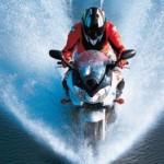 Cómo conducir motos con lluvia y asfalto mojado