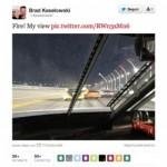 Conducir y twittear es mala idea… y va un piloto y lo hace
